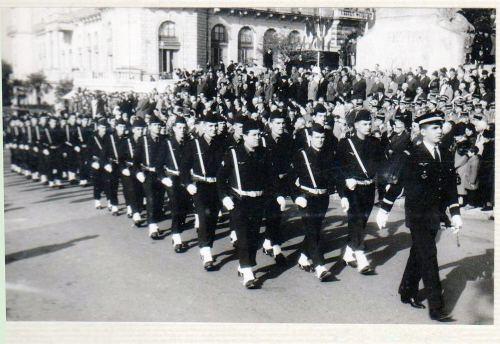 19641111 défilé à Pau