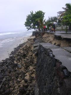 Effondrement de l'esplanade (Décembre 2012).