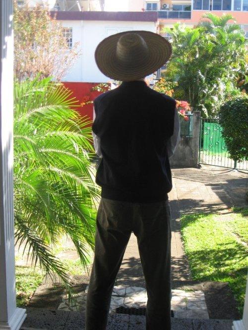 L'homme au chapeau de paille : un émule de Frelon ?