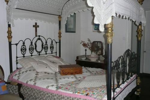 La chambre et le lit-WEB