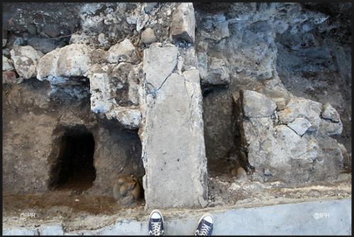 Vestiges archéologiques découverts dans l'enceinte de la prison. Photo IPR.