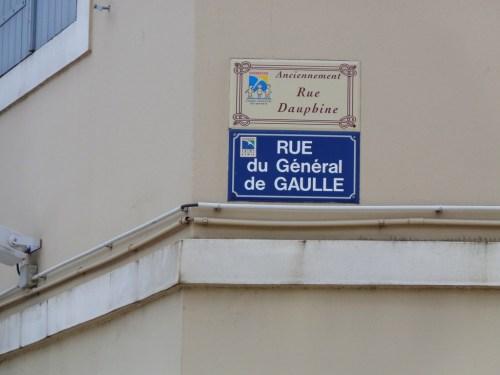 Rue Dauphine ou rue Général de Gaulle.