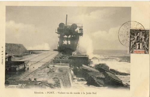 La mer à l'assaut de la digue/ Cliché O.D.M.