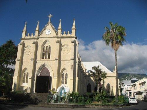 L'église Saint-Jacques à Saint-Denis. cliché r.g.