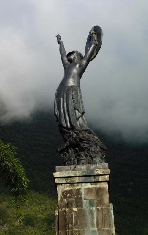 Statue Hell Bourg Vue d'ensemble PhotoM.David