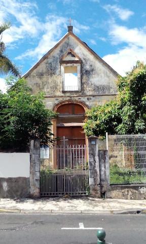 Façade de Saint-Thomas des Indiens, donnant sur la rue Monseigneur de Beaumont.